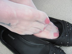well worn Graceland ballet flats, nylons and jeans - balcony shoeplay (Isabelle.Sandrine2001) Tags: shoes pumps ballet flats ballerinas nylons stockings jeans tattoo legs feet shoeplay dangling wellworngracelandflatsjeansandnylons