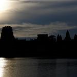 Silhouette of Angkor Wat at sunrise thumbnail