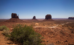 Discovering Monument Valley (KC Mike Day) Tags: southwest valley utah monument sagebrush desert reservation indian navajo landscape canon 1635 roadtrip