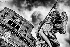 Vulnerasti Cor Meum (Luca Bobbiesi) Tags: rome roma architecture statua angelo castelsantangelo pontesantangelo blackwhite biancoenero perspective blackandwhite bienne canoneos5dmarkiv canonef24105mmf4lisusm