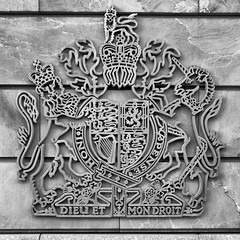 British Embassy Berlin - Detail (Pascal Volk) Tags: berlin mitte artinbw schwarz weis black white blackandwhite schwarzweis sw bw bnw blancoynegro blanconegro canonpowershotg1xmarkiii 15mm dxosilverefexpro nikcollection royalcoatofarmsoftheunitedkingdom royalarms