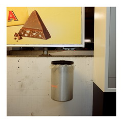 11 (trash can) (ngbrx) Tags: interlaken berneseoberland switzerland schweiz suisse svizzera plakat toblerone trash can mülleimer parking garage parkhaus bern berne bernese berner oberland werbung advertising