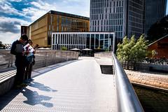 Malmö Live (Maria Eklind) Tags: peole bridge street himmel city outdoor publicart turister moln tourists skåne shadow malmö skugga sky sweden arkitektur architecture bro evahild europe malmölive rubato skånelän sverige se building