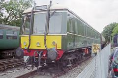 BR Class 122 55003 at Alresford Station, 31 Aug 2000 (Ian D Nolan) Tags: station 35mm epsonperfectionv750scanner alresfordstation br class 122 dmmu 55003 dmbs