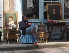 Attendre les clients (peterphotographic) Tags: olympus em5mk2 microfourthirds ©peterhall normandy normandie france p5210162edwm attendrelesclients waitingforcustomers bayeux shop shopkeeper candid street streetphotography paining mobile phone beard man homme brocade antiques bricabrac dudeonachair