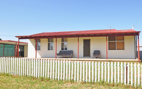 6 Gloucester St, Junee NSW 2663