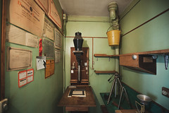 Old Darkroom (Alexis Cayot) Tags: photo france cayot grand 35 diy vintage alexis l eos agrandisseur 5d zoom 28 artisanal labo alexiscayotfr homemade darkroom argentique enlarger 16 ef wide angle markii canon