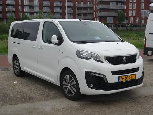 2018 Peugeot Expert Traveller