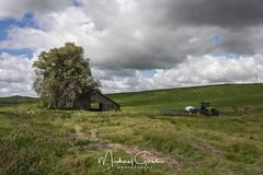 Thornton Barn (NikonDigifan) Tags: palouse palousehills palousebarn rural farming agriculture tractor easternwashington clouds sky nikond750 nikon nikon28300 pacificnorthwest mikegassphotography