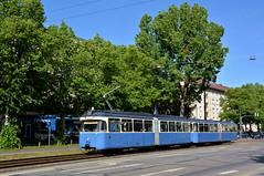 Soeben hat P-Zug 2006/3039 die Hochschulschleife verlassen und erreicht die Haltestelle an der Lothstraße (Bild: Klaus Werner) (Frederik Buchleitner) Tags: 2006 3039 linie22 munich münchen pwagen strasenbahn streetcar tram trambahn
