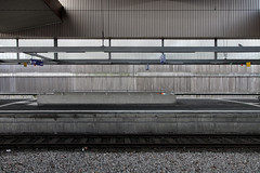 Düsseldorf B 19/20 (LichtEinfall) Tags: img8951duhbffineb raperre düsseldorf hbf bahn bahnhof