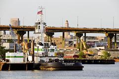 r_180608247_beat0048_a (Mitch Waxman) Tags: brooklyn eastrivershoreline gowanusbay gowanusbridges newyorkcity newyorkharbor tugboat newyork
