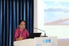 "Dr. Lakshmi Vijayakumar med predavanjem o samomoru med ženskami • <a style=""font-size:0.8em;"" href=""http://www.flickr.com/photos/102235479@N03/27909811197/"" target=""_blank"">View on Flickr</a>"