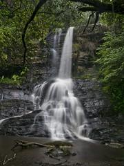 El roce del agua (la_magia) Tags: agua cascada galicia fervenza santoestevodoermo lugo españa rocas primavera naturaleza verde paz barreiros