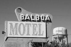 Balboa Motel (dangr.dave) Tags: architecture deming downtown historic lunacounty newmexico nm neon neonsign balboamotel watertower