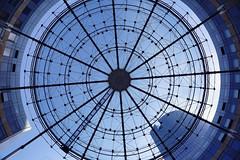 Place ronde (erichudson78) Tags: france iledefrance hautsdeseine ladéfense architecture canoneos6d canonef24105mmf4lisusm grandangle wideangle sliderssunday hss circle cercle géométrique monochrome