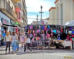 Saturday market (Domènec Ventosa) Tags: mercado libre vilanova cataluña ropa gente venta market free catalonia clothes people sale