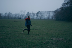 run run run away (andrw.photography) Tags: tijucas do sul retrato correndo solidão neblina frio inverno depressão angustia vintage moody andre andrade andrw photography