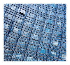 la fenêtre ouverte (Marie Hacene) Tags: ladéfense paris architecture urbain immeubles reflets fenêtre