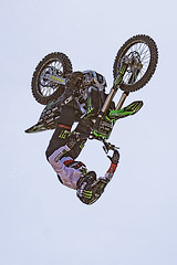 C58R2697 (Nick Kozub) Tags: montreal f1 monster energy compound fmx show demo aerial acrobatic inverted insane trick crazy vertical airborne kissthesky whereisjohannes stunt defy gravity grand prix canada freestyle motocross canon eos 1d x ef usm l 20700 f28 is ii