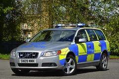 SN09 MMK (S11 AUN) Tags: police scotland volvo v70 t6 abnormal load escort vehicle traffic car drpu divisional roads policing unit anpr rpu 999 emergency cdivision sn09mmk