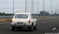 MG B GT 1976 (XBXG) Tags: 93ya83 mg b gt 1976 mgbgt mgb bgt coupé coupe white blanc a1 muiden nederland netherlands holland paysbas vintage old classic british car auto automobile voiture ancienne anglaise brits uk vehicle outdoor