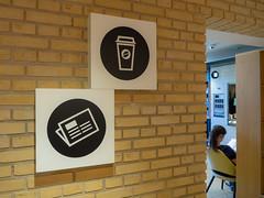 Pictogramskilte (IDE|SKILTE -skiltning af virksomheder) Tags: 2018 bibliotek udsmykning vægdekoration informationsskilte costumdesign henvisningsskilt pictogram pictogramskilt