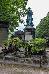 Père Lachaise Cemetery, Paris (Oleg.A) Tags: îledefrance france grave paris pèrelachaisecemetery сemetery cimetière cimetièredupèrelachaise tomb fr