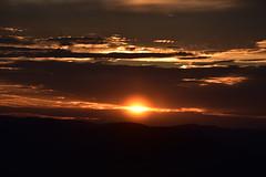 DSC_2541 (griecocathy) Tags: coucher soleil ciel nuage paysage montagne sombre coloré noir orange gris saumoné ocre