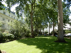 Wilton Crescent (John Steedman) Tags: london uk unitedkingdom england イングランド 英格兰 greatbritain grandebretagne grossbritannien 大不列顛島 グレートブリテン島 英國 イギリス ロンドン 伦敦 wiltoncrescent