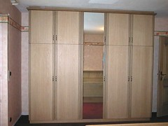 "Schlafzimmerschrank Eiche gelaugt • <a style=""font-size:0.8em;"" href=""http://www.flickr.com/photos/162456734@N05/42734596911/"" target=""_blank"">View on Flickr</a>"