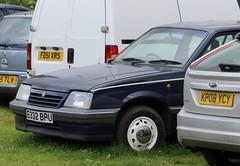 E332 BPU (Nivek.Old.Gold) Tags: 1987 vauxhall cavalier l 5door 1598cc