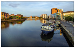 River lagan, Holohans at the Barge (teedee.) Tags: river lagan belfast water bridge boat blue hour city view holohans barge restaurant