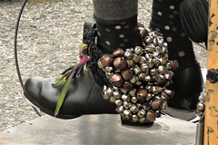 SoWeBo Festival 2018, Baltimore, Maryland (A CASUAL PHOTGRAPHER) Tags: festivals sowebofestival musicalinstruments bells percussioninstruments shoes feet musicians onemanband canonpowershotsx60hs bridgecameras baltimore maryland socks