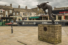 Freddie Trueman statue (shabbagaz) Tags: great britain leeds liverpool canal united kingdom 2018 a65 alpha england june north northern shabbagaz skipton sony town uk yorkshire greatbritain leedsliverpoolcanal unitedkingdom