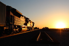 FXE 4072 (CC 8039) Tags: fxe up trains sd70ace ac44cw sunset morrison illinois