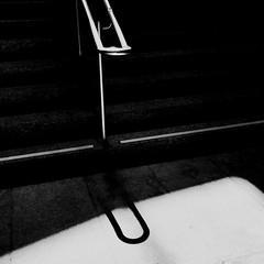 Le trombone est brisé... (woltarise) Tags: métro station outremont escalier rampe puitdelumière minimalisme trombone imagination montréal streetwise iphone7