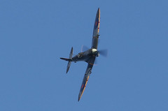 Spitfire Mk IX RR232 City of Exeter 050-1 (cwoodend..........Thanks) Tags: torbayairshow airshow 2018 torbayairshow2018 paignton supermarine supermarinespitfire spitfire rr232 cityofexeter spitfiremkix spitfiremkixrr232