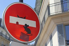 Clet_8427 boulevard Arago Paris 13 (meuh1246) Tags: streetart paris paris13 clet boulevardarago cletabraham panneau animaux chat souris