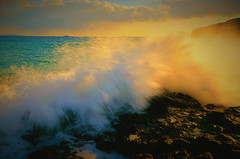Lively motion of an evening wave (chikaraamano) Tags: sea lively motion evening wave coast water sky cloud southwind strong unusually intensely sound settingsun hightide time meeting increasingly draws fearfully beautifully felt
