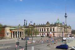 Unter den Linden, Berlin (Stewie1980) Tags: berlin mitte deutschland germany allemagne unter den linden neue wache zeughaus fernsehturm street view skyline tower museum