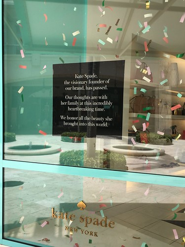 Sign In Window Of Kate Spade
