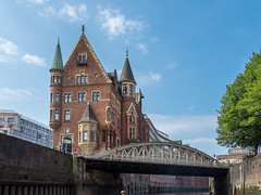 LR Hamburg 2018-5190201 (hunbille) Tags: birgittehamburg2018lr germany hamburg harbour speicherstadt canal bridge elbe river