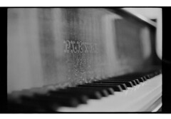 P62-2018-002 (lianefinch) Tags: argentique argentic analogique analog monochrome blackandwhite blackwhite bw bx noirblanc noiretblanc nb pleyel piano musique music keyboard clavier art paris