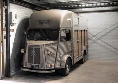 Citroën HY (Skylark92) Tags: nederland netherlands holland noordholland northholland wormer 2cv eendengarage sander aalderink windshield road car citroënforum voorjaarsmeeting 2018 citroën hy horsebox horse trailer paardenwagen paarden veewagen 1973 be7352