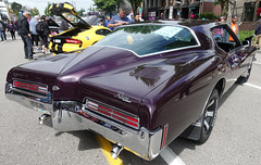 Buick Riviera (D70) Tags: sony dscrx100m5 ƒ56 88mm 1320 125 buick riviera hatsoffday hastingsstreet burnaby britishcolumbia canada june2nd 2018
