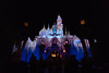 Sleeping Beauty Castle - Disneyland (R. Zavala) Tags: disney disneyland disneylandresort disneycaliforniaadventure anaheim sleepingbeautycastle christmastime