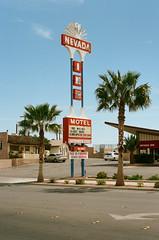 Nevada Inn (Travis Estell) Tags: bouldercity bouldercityonfilm canonae1 kodakportra160 nevada nevadainn nevadaonfilm portra160 thedarkroom thedarkroomlab motelsign vintagesign unitedstates us 35mmfilm