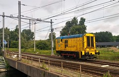 Bakkie doen? (Peter ( phonepics only) Eijkman) Tags: amsterdam haven havensporen havenspoor harbour cargo rail rails railways railway spoorwegen spoor ns nederland locomotives locomotieven lokken locos netherlands nederlandse noordholland holland
