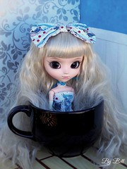 Happy Birthay, Emilly!! (♪Bell♫) Tags: pullip romantic alice blue emilly rosemberg happy birthday groove doll